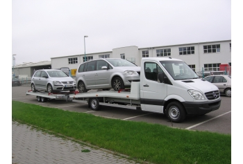 Mercedes with folding trailer